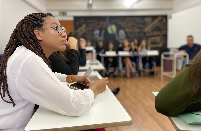 O Colégio Dona Clara oferece simulados preparatórios para o ENEM