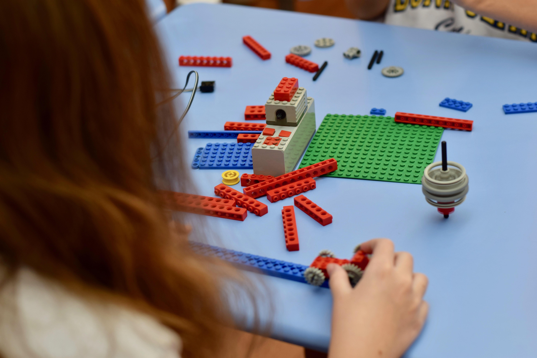 A Lego Education auxilia no desenvolvimento de diversas habilidades