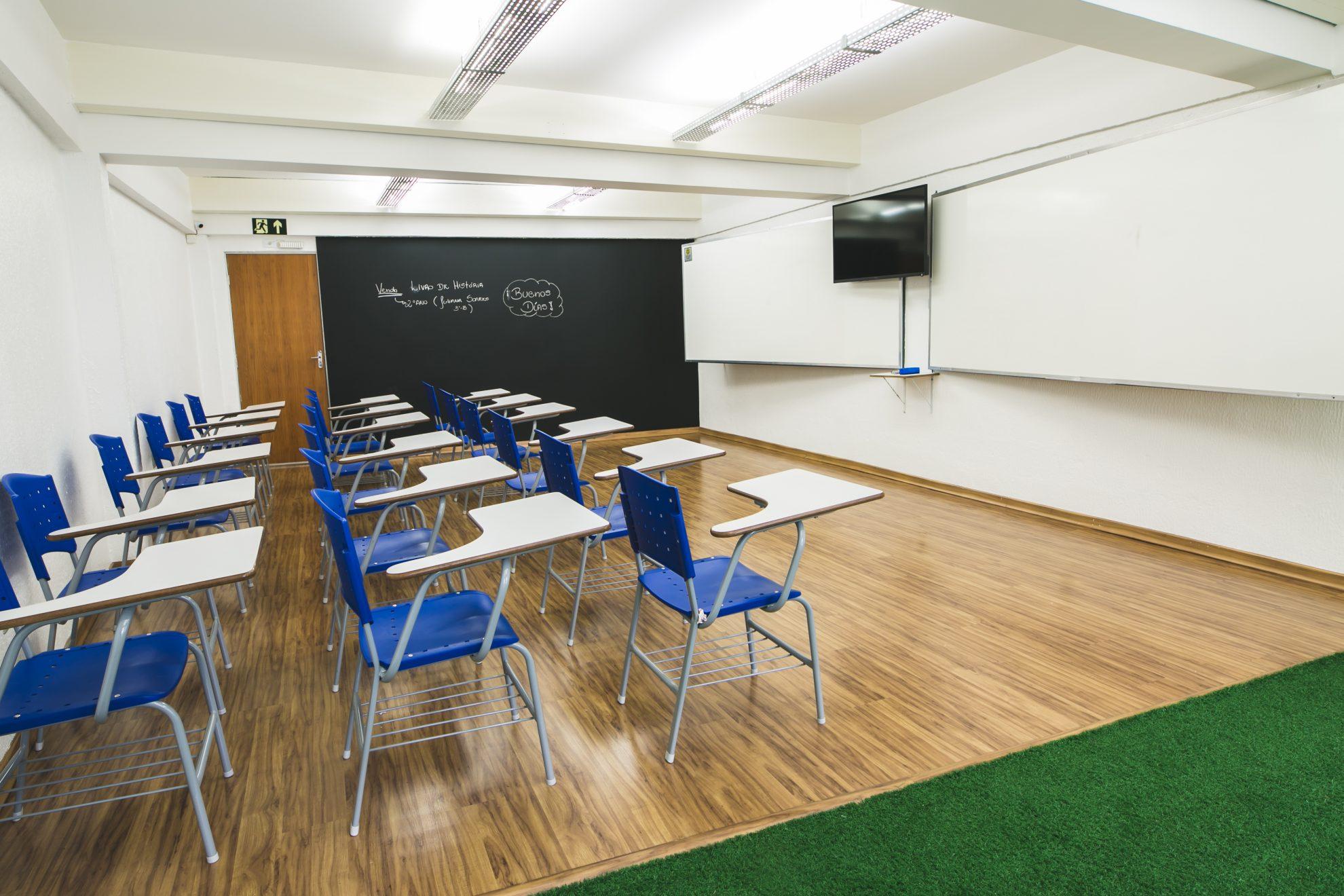 Sala de aula vazia é o retrato do impacto das aulas remotas